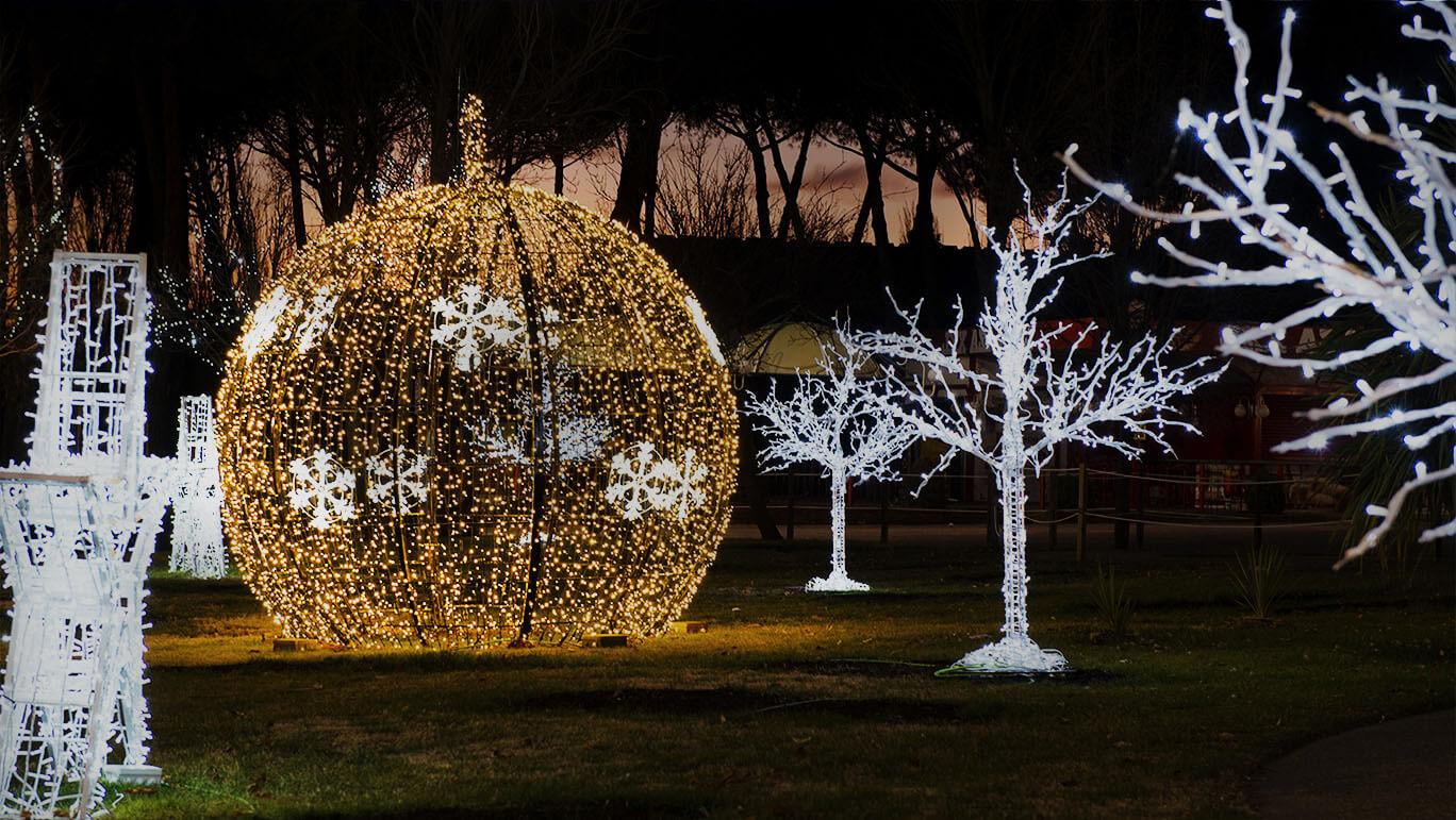 Somos fabricantes de iluminación navideña y decorativa